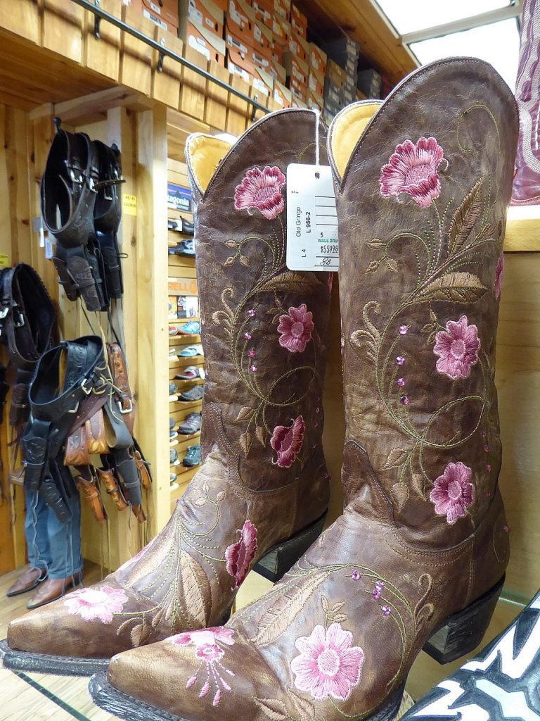 Badlands Yellowstone 3 Week Road Trip Itinerary from Denver Cowgirl Boots - The souvenir I should have bought