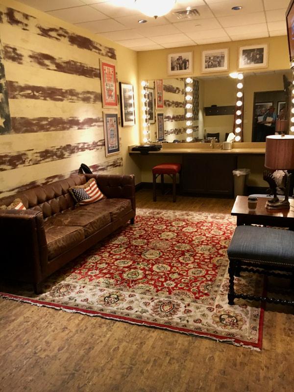 Love can Build a Bridge Deep South USA Grand Ole Opry - Dressing Room