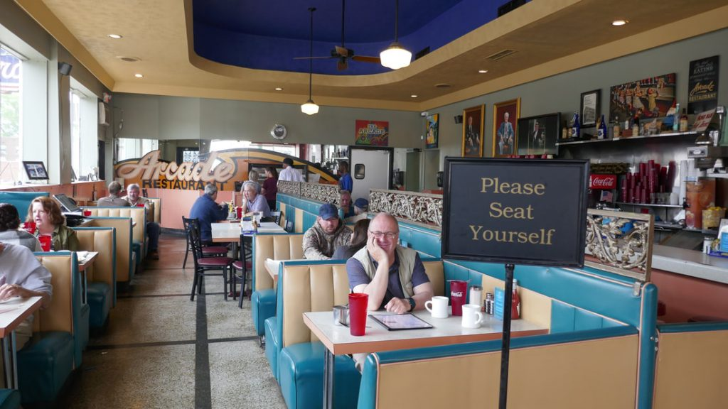 12 things you might not know about Elvis Presley - Deep South USA Elvis's favourite restaurant Memphis