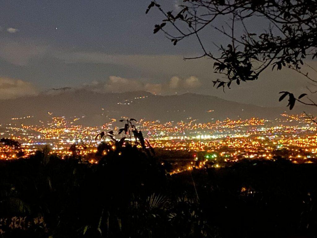 Arrival in Costa Rica - Alujela