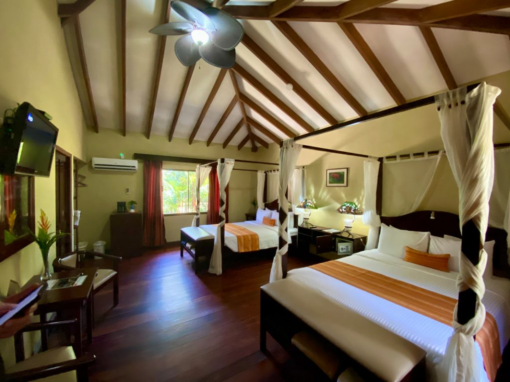 Manatus Hotel Tortugero Bedroom