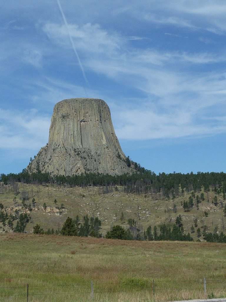 Battle of the Little Bighorn Devil's Tower - view from the road