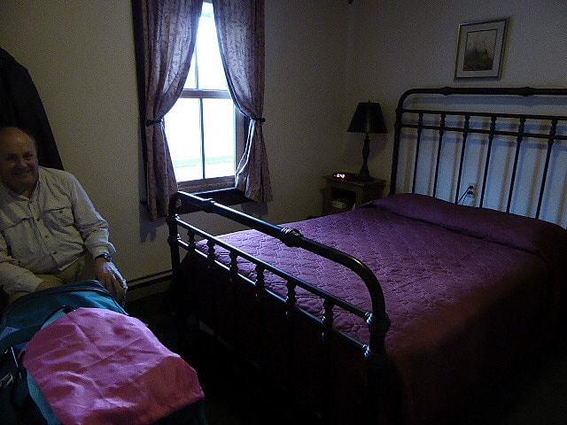Chico Hot Springs Hotel Bedroom