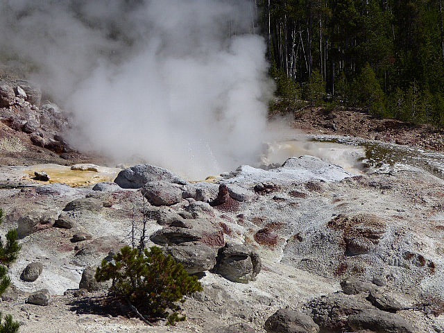 Norris Geyser Basin Steamboat Geyser Yellowstone NP
