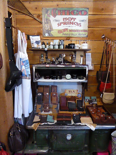 Mammoth Hot SpringsGardiner Saddle Shop Shaving Kit