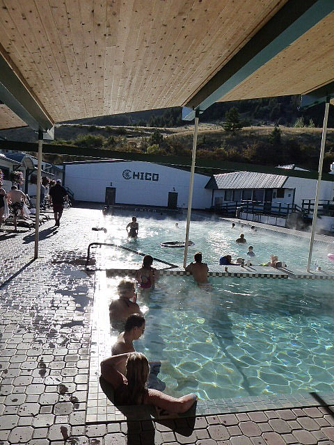 Chico Hot Springs Hotel Pool