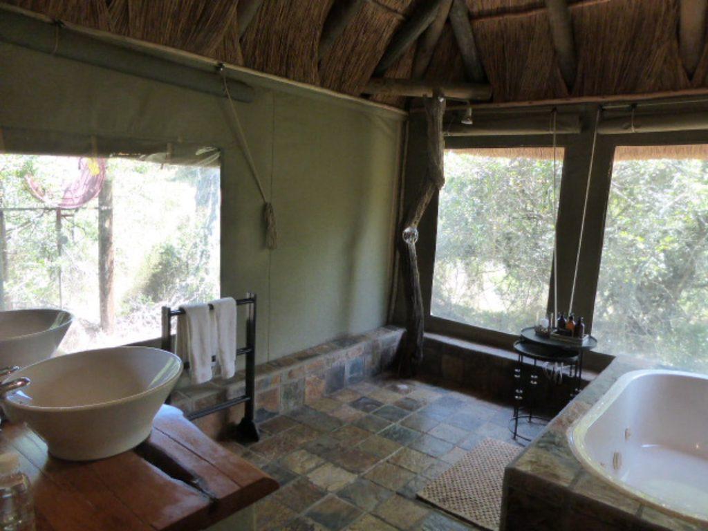 Bayethe Lodge Shamwari Game Reserve - Bathroom