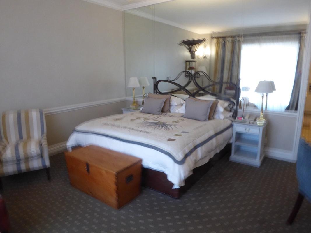 Cape Grace Hotel Bedroom