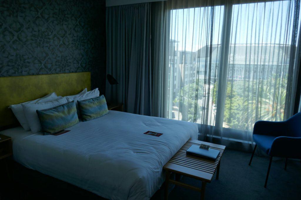 Adina Apartment Hotel Auckland bedroom