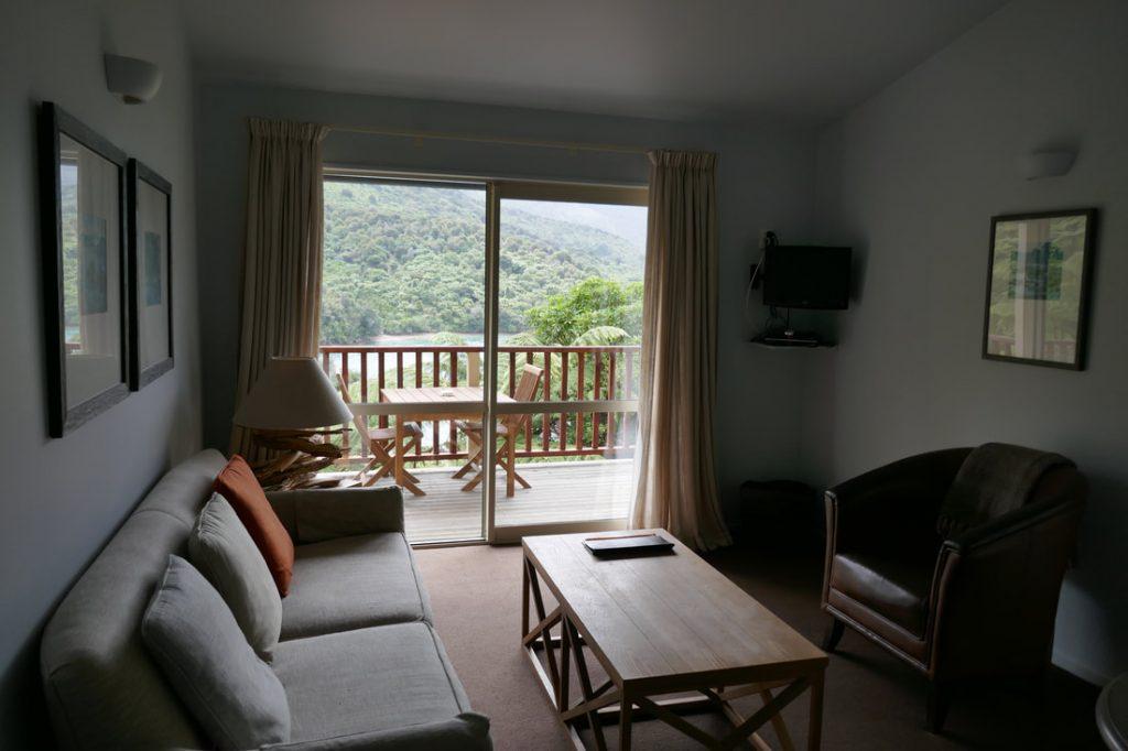 Punga Cove Resort lounge