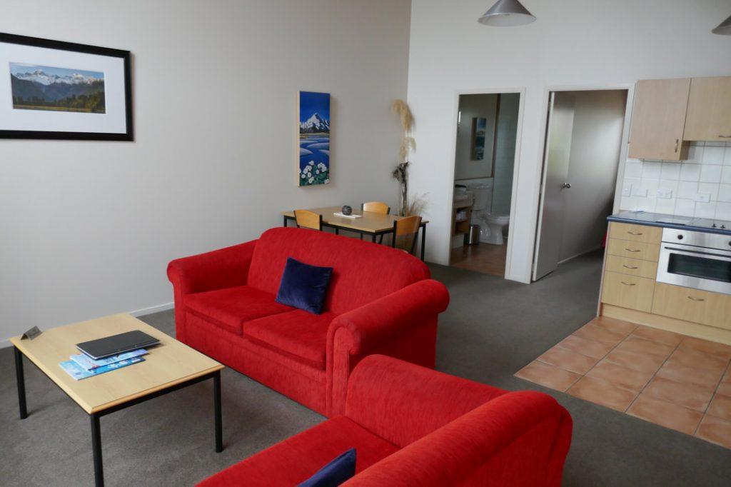 Glenfern Villas Franz Josef Lounge