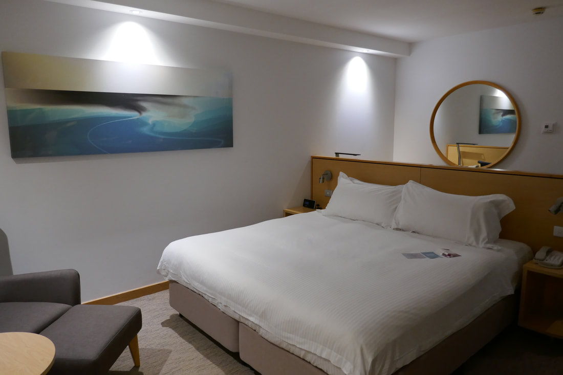 Crowne Plaza Hotel Coogee Beach bedroom