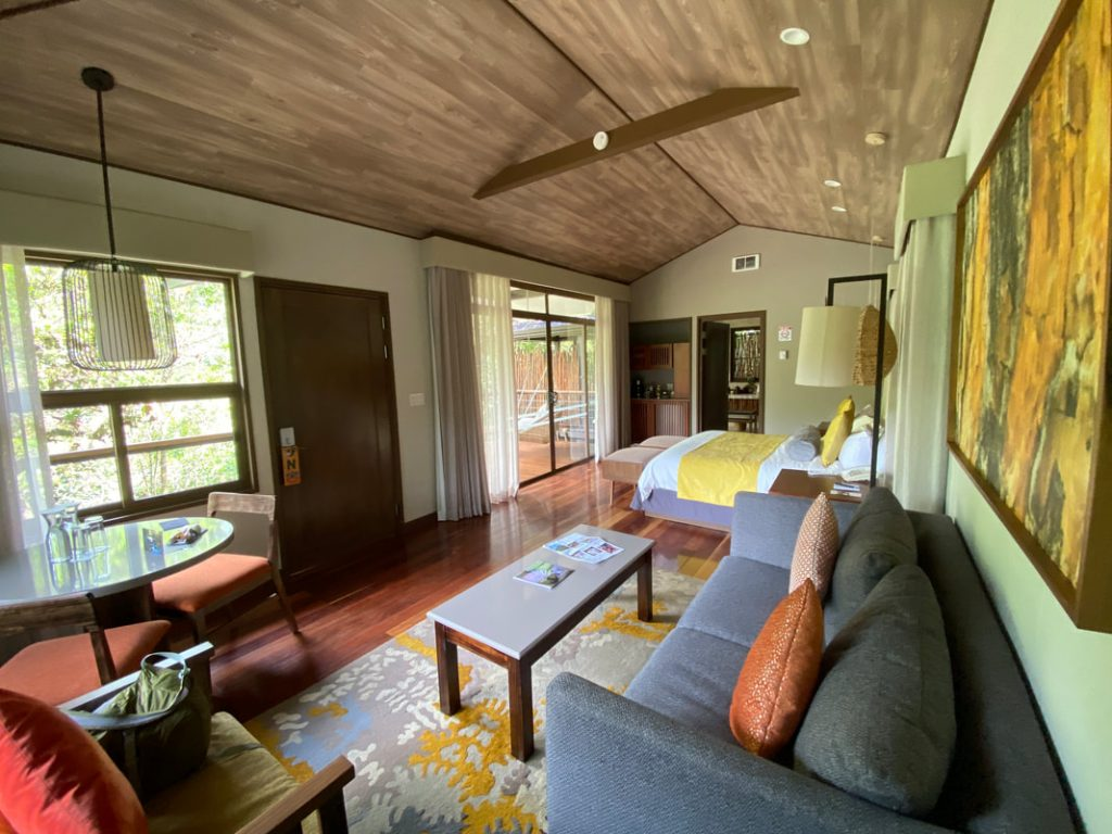 El Silencio Lodge Bajos del Toro Costa Rica Lounge