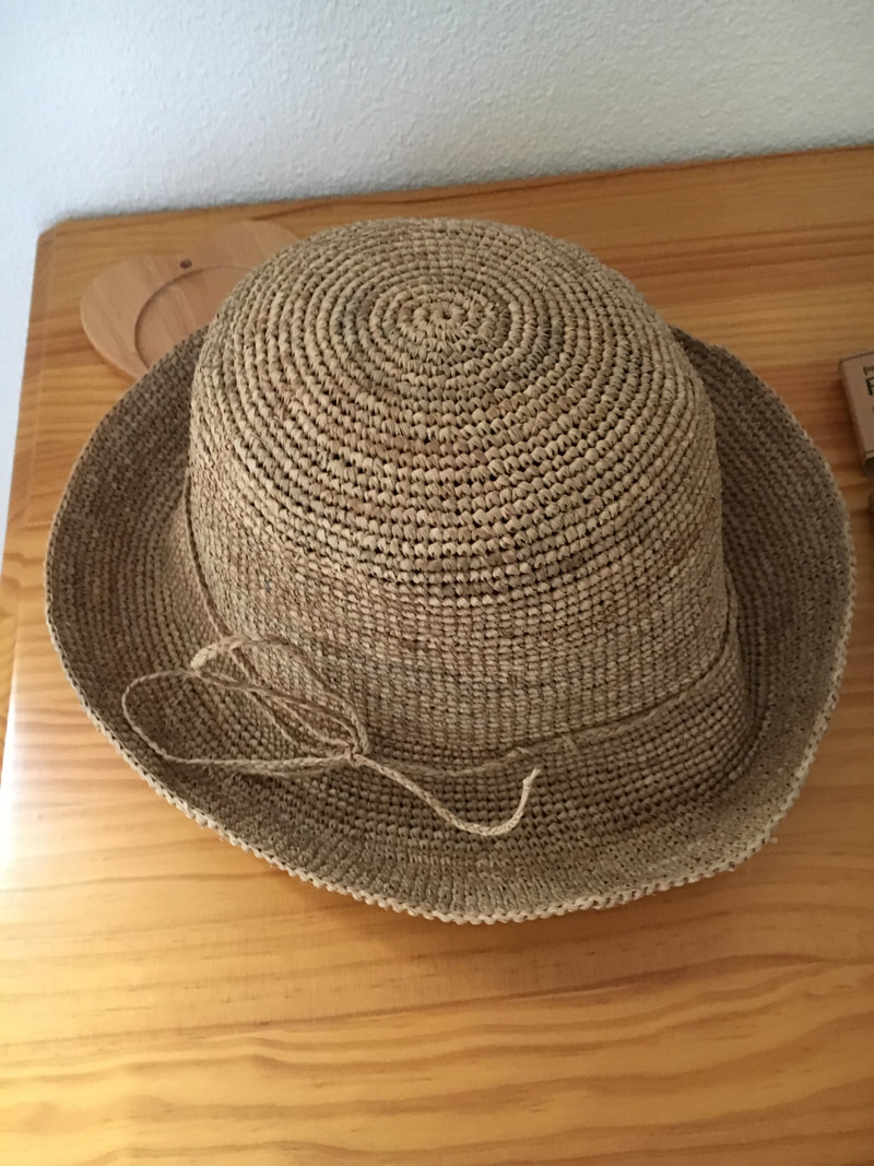 Western Australia What I'm Packing sun hat
