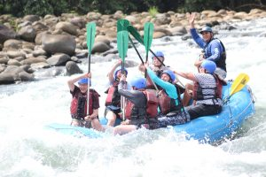 """High Five – Pura Vida"" – Sarapiqui River White Water Rafting"