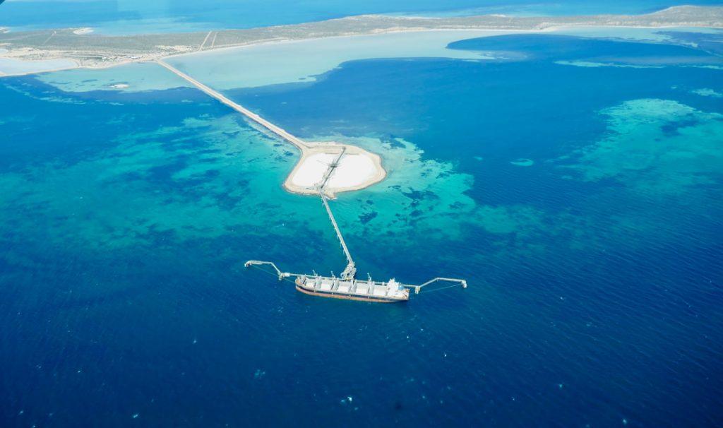 Monkey Mia to Ningaloo Reef Shark Bay Aviation Scenic Flight