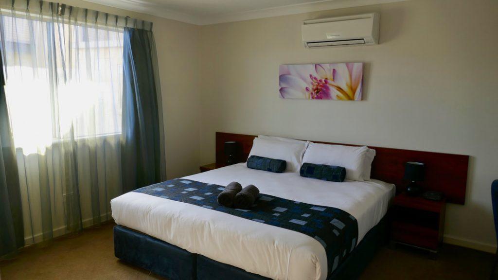 Pinnacles Edge Resort WA Bedroom