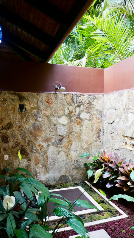 Rio Celeste Hideaway Hotel Costa Rica Outside Shower