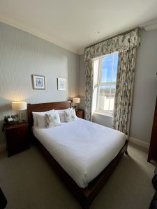Read more about the article Accommodation Review – Mullion Cove Hotel